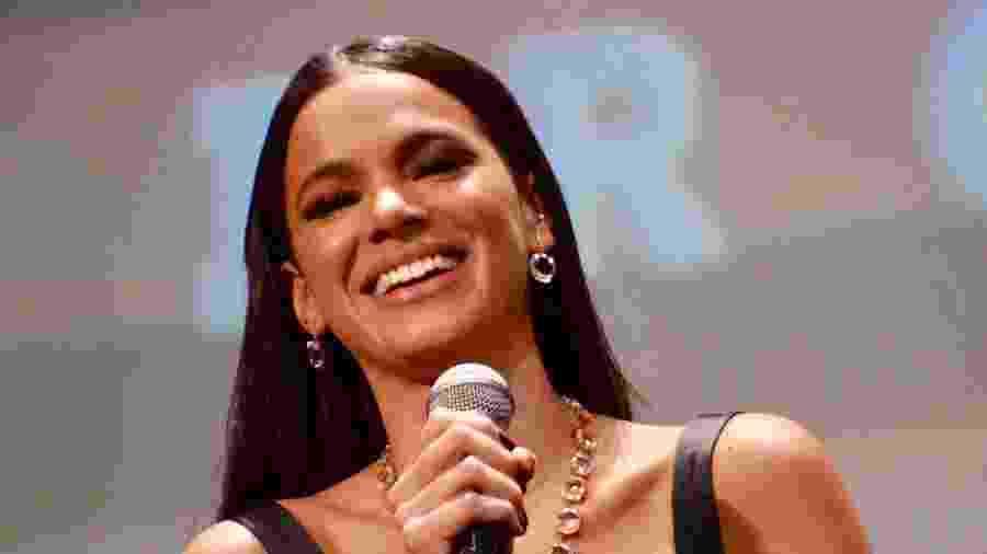 Bruna Marquezine durante discurso no Festival de Cinema de Gramado - Eduardo Martins/AgNews