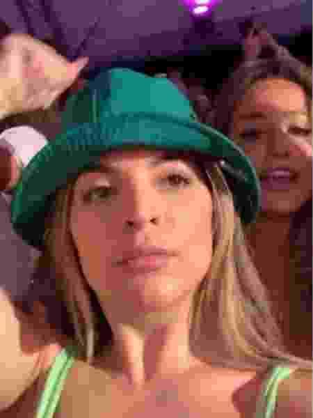 GKAY e Bruna Griphao em show de Anitta - Reprodução/ Instagram