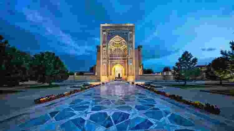 Samarcanda, cidade do Uzbequistão, é uma das paradas da terceira etapa da viagem - Divulgação - Divulgação