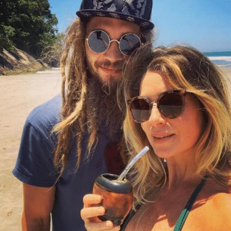 Letícia Spiller comemorou aniversário de Pablo Vares com vídeo do amado ao violão  - Reprodução/Instagram/@arealspiller