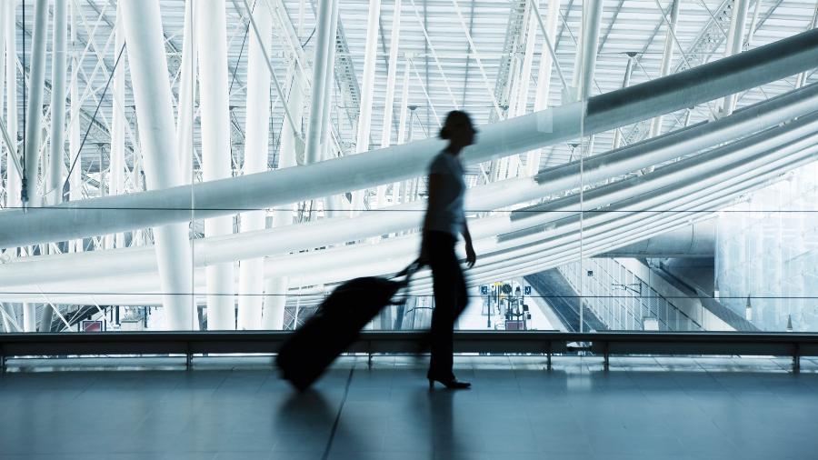 Os passageiros deverão declarar e justificar para a companhia aérea seu local de quarentena na França - Getty Images