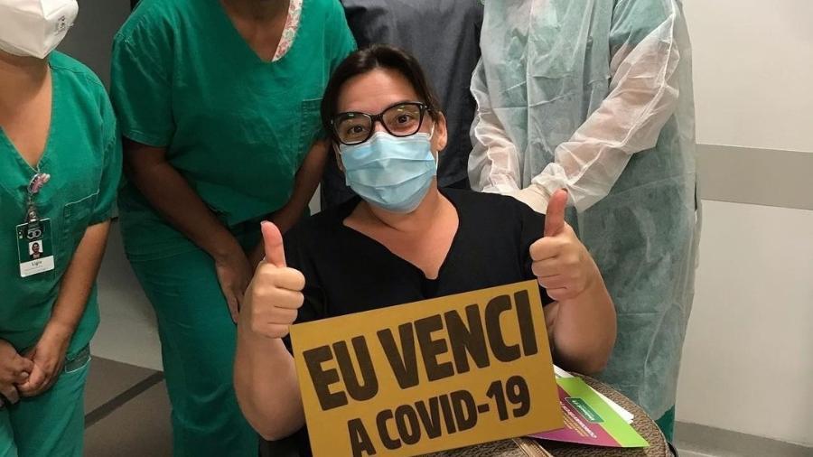 Simone Gutierrez recebeu alta após passar uma semana internada com covid-19 - Reprodução/Instagram