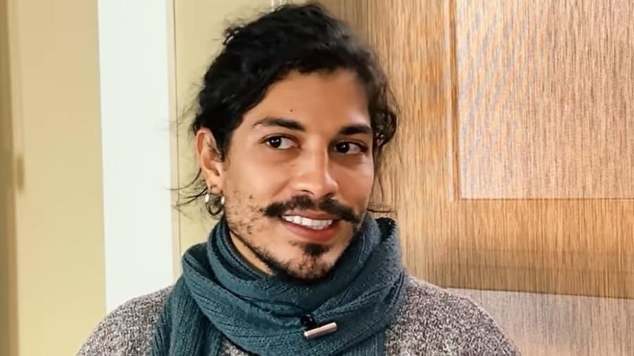 """Douglas Sampaio lembrou os momentos vividos na """"Fazenda 8"""" (RecordTV) - Reprodução/YouTube"""