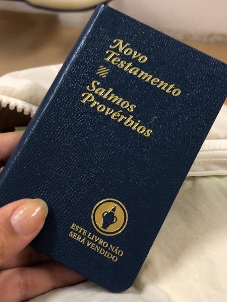Vítima de estupro, paciente grávida recebe bíblia no Pérola Byington, referência na realização do aborto em São Paulo - Arquivo pessoal