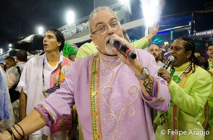 Intérprete Luizito, da Estação Primeira de Mangueira, morreu na manhã deste domingo (6)