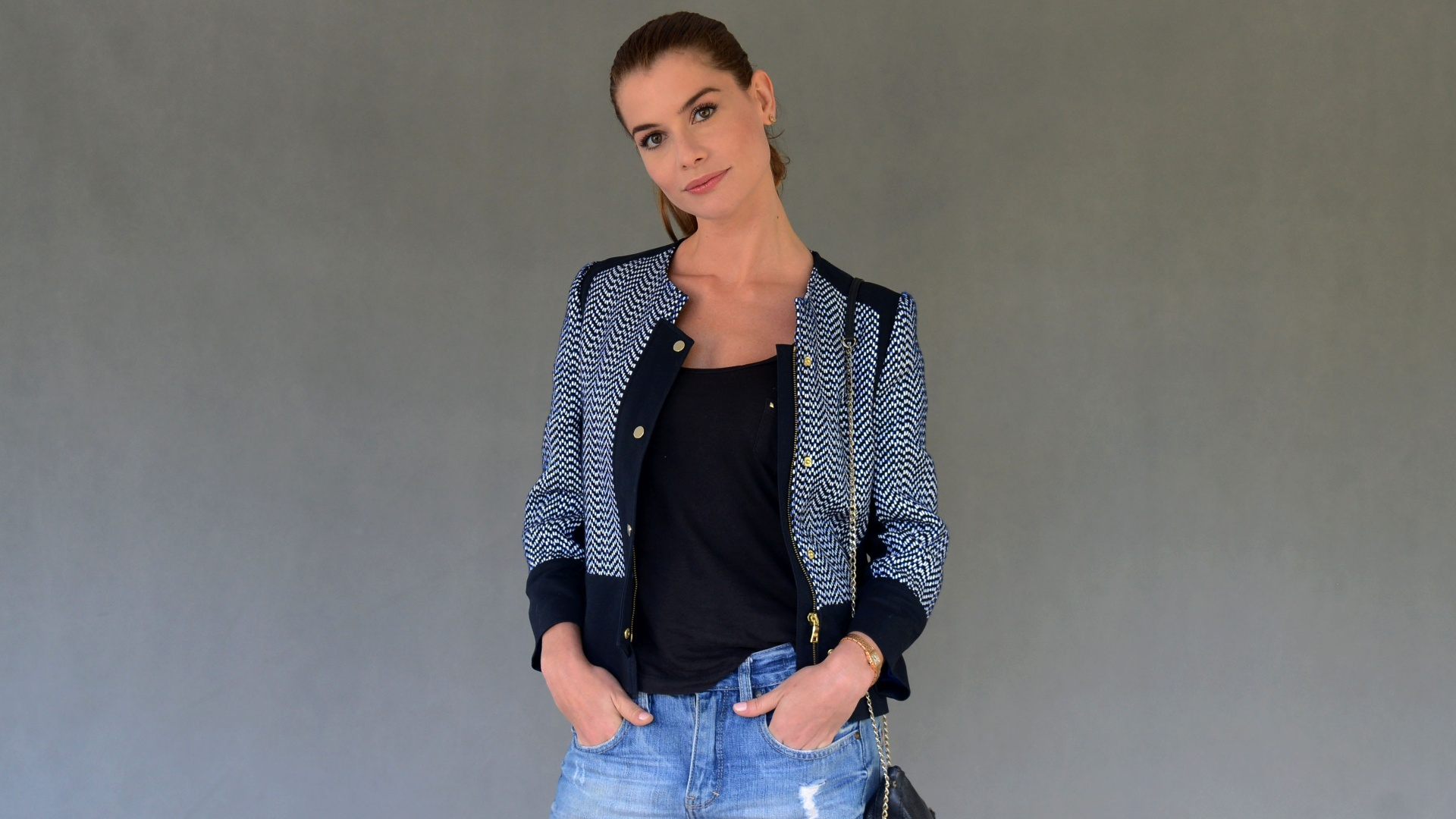 A atriz Alinne Moraes