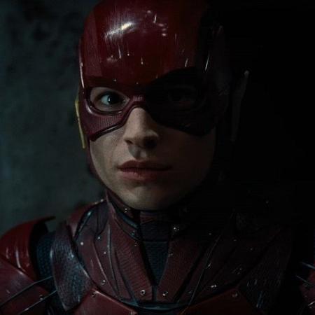 """Ezra Miller como Flash no trailer de """"Liga da Justiça"""" - Reprodução"""