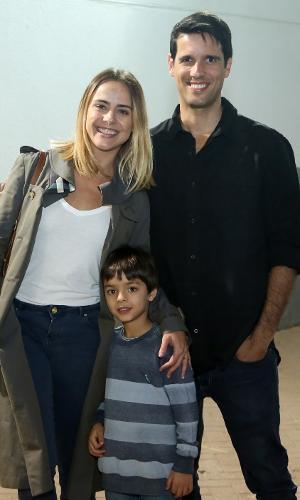 Juliana Silveira e John Vergara com o filho, Bento, no Disney On Ice