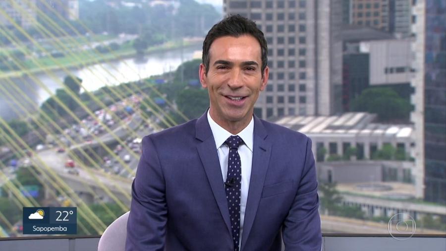 """César Tralli no comando do """"SPTV 1ª Edição""""  - Reprodução/TV Globo"""