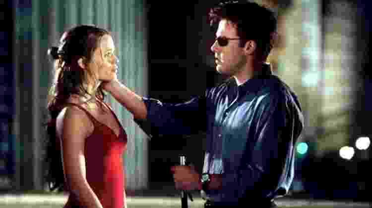 Ben Affleck e Jennifer Garner em cena no filme 'Demolidor' (2003) - Divulgação - Divulgação