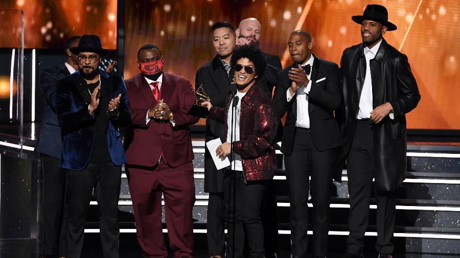 """Bruno Mars agradece prêmio de música do ano por """"That""""s What I Like"""" no Grammy 2018 - Getty Images"""