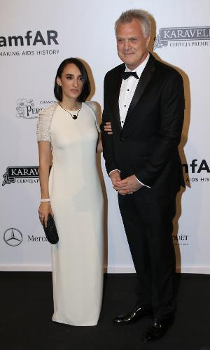 Maria Prata posa ao lado do marido, o jornalista Pedro Bial