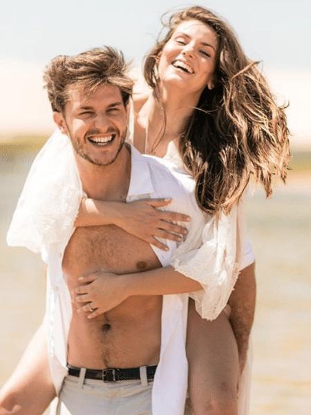 """Casal Camila Queiroz e Klebber Toledo estará no elenco de """"Verão 90 Graus"""" - Reprodução/Instagram"""