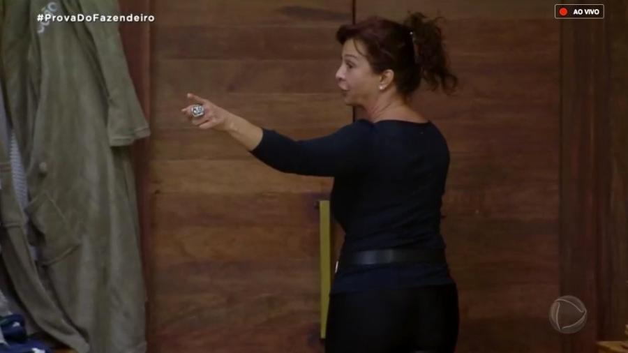Vida Vlatt discute com Ana Paula Renault após votação  - Reprodução/RecordTV