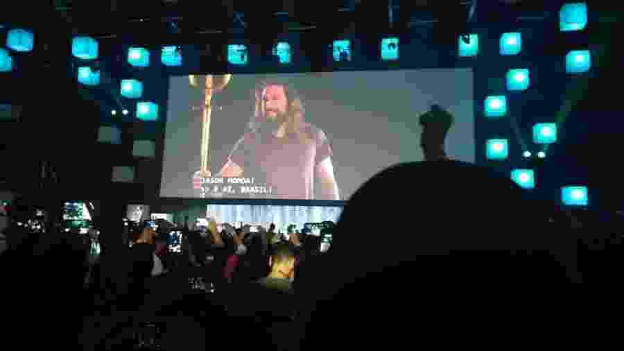 Jason Momoa aparece em transmissão ao vivo para o Brasil na CCXP 2018 - Rodolfo Vicentini/UOL
