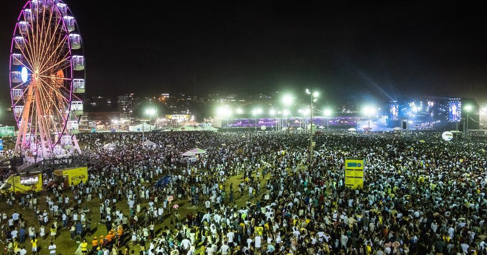 Público lotou a Arena Daniela Mercury, na orla da Boca do Rio, para acompanhar o Festival Virada Salvador
