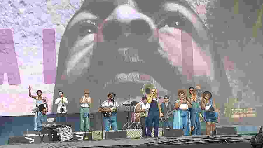 Aláfia se apresenta no palco Budweiser do Lollapalooza - Rodolfo Vicentini/UOL