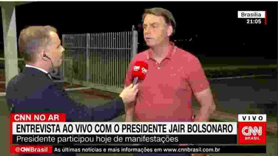Bolsonaro cita futebol e Carnaval para explicar apoio a manifestações - Reprodução/CNN Brasil