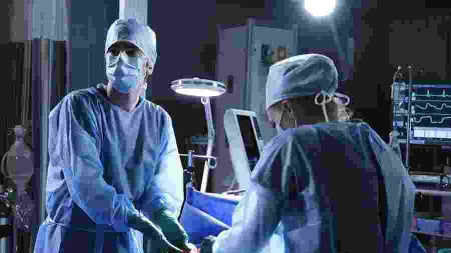 """Cena de """"The Good Doctor"""", série da Globoplay """"divulgada"""" hoje pela Netflix no Twitter - Divulgação"""