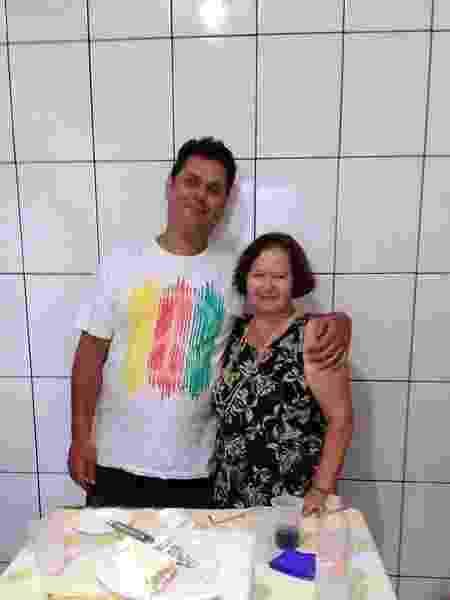 Vitor e a mãe, Elza - Arquivo pessoal - Arquivo pessoal