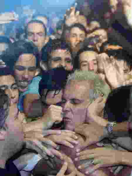 """Supla, em seu primeiro show depois de sair da """"Casa dos Artistas"""" - Evelson de Freitas - 6.jan.2002/Folhapress - Evelson de Freitas - 6.jan.2002/Folhapress"""