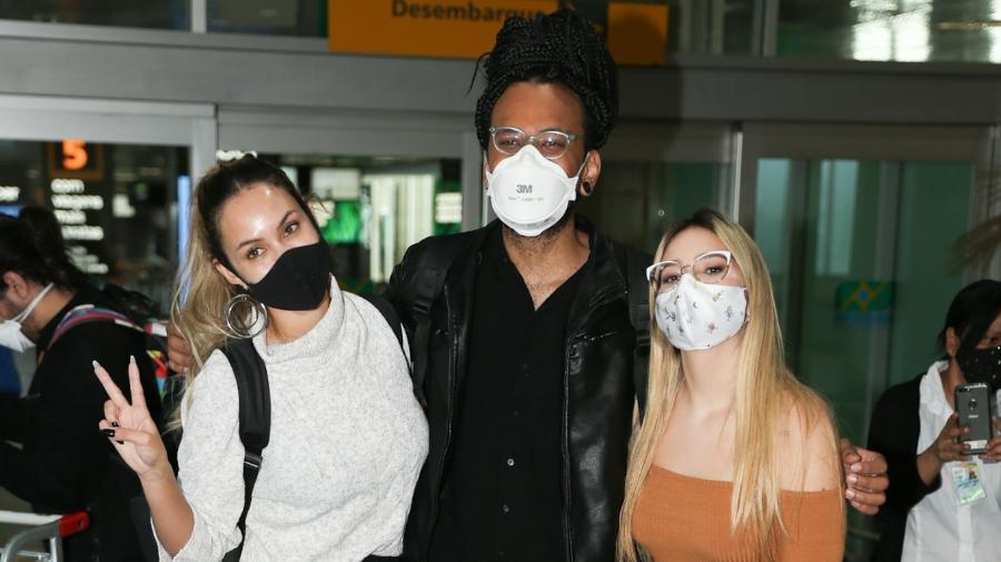 Sarah, João e Viih Tube chegaram juntos a São Paulo após embarcar no Rio - Leo Franco e Lucas Ramos/AgNews