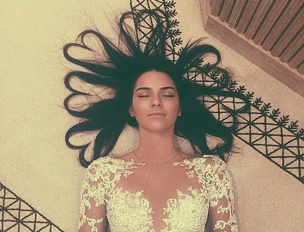 Kendall Jenner supera a marca da irmã Kim Kardashian e tem a foto mais curtida da rede de compartilhamento - Reprodução/Instagram/@kendalljenner