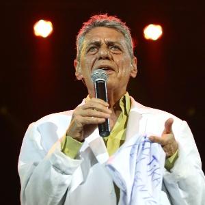 Chico Buarque se apresenta no Vivo Rio, no show de Verão da Mangueira