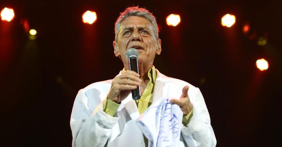 26.jan.2016 - Chico Buarque se apresenta no Vivo Rio, no show de Verão da Mangueira