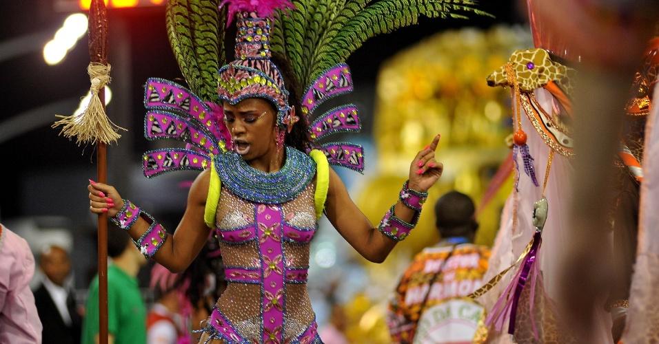 """8.fev.2016 - Morro da Casa Verde apresenta samba-enredo com o tema """"Mvemba-a-Nizinga - Dom Afonso I, Um Rei Cristão no Império Africano do Congo"""""""
