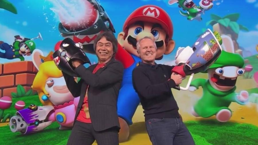 """Shigeru Miyamoto e Ives Guillemot dividiram o palco para apresentar """"Mario+Rabbids"""", um dos destaques da Ubisoft na E3 2017 - Reprodução"""