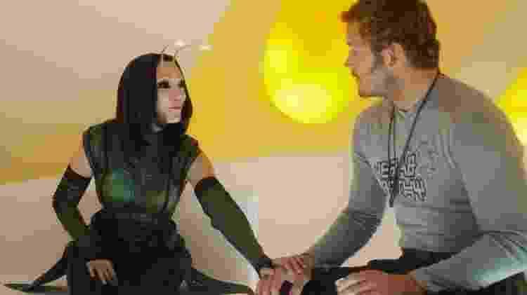 """Mantis (Pom Klementieff) e Senhor das Estrelas (Chris Pratt) em cena de """"Guardiões da Galáxia 2"""" - Divulgação - Divulgação"""