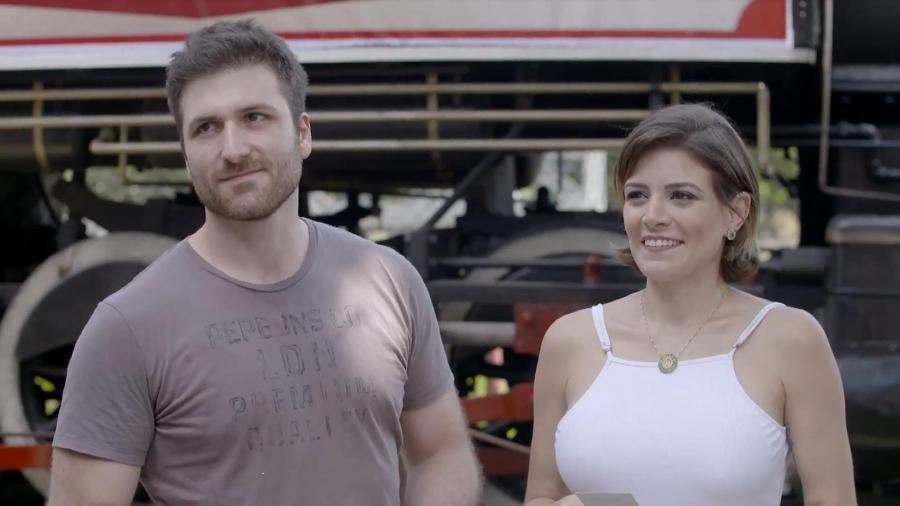 """Renata Del Bianco participa do programa """"Fábrica de Casamentos"""" com o noivo, Daniel Simonini - Divulgação/SBT"""