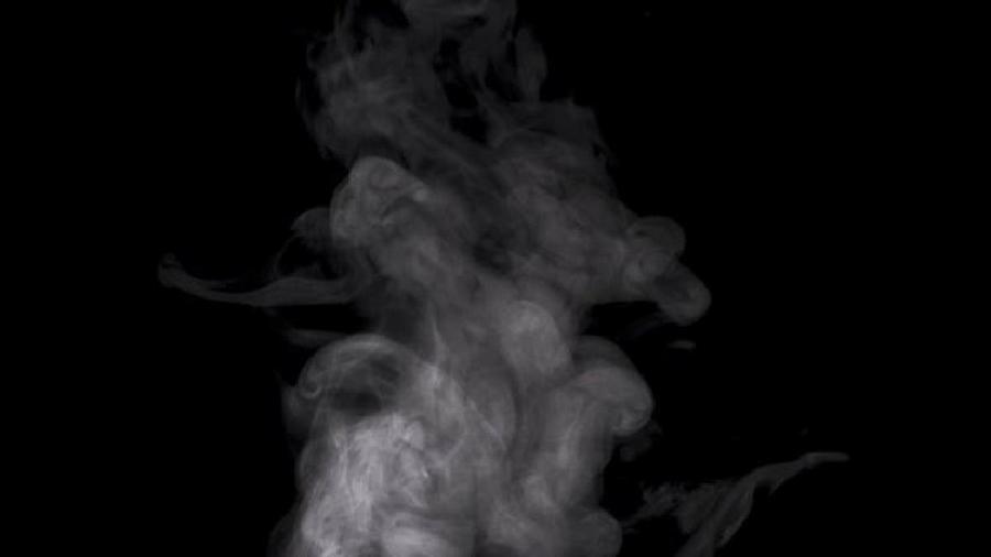 Vaporização vaginal consiste em sentar-se sobre recipiente com água soltando vapor - GETTY IMAGES