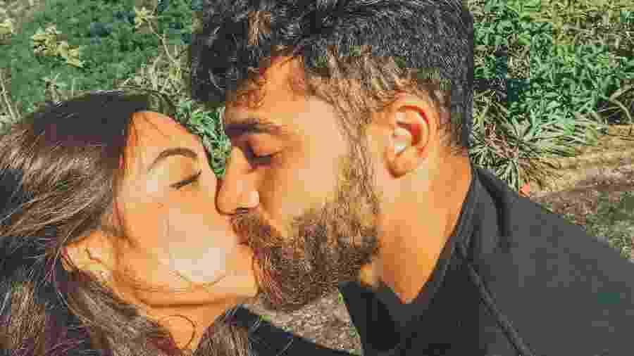 Carol Nakamura e o namorado - Reprodução/Instagram