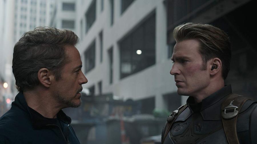 """Homem de Ferro (Robert Downey Jr.) e Capitão América  (Chris Evans) em cena de """"Vingadores: Ultimato"""" - Divulgação"""