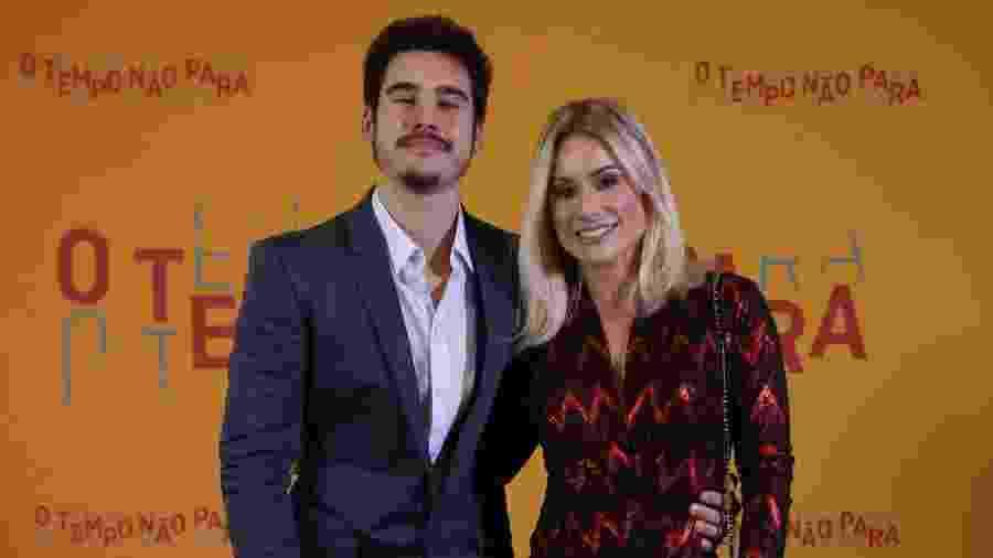 Nicolas Prattes com a mãe, Giselle Prattes, na festa de lançamento de O Tempo Não Para - Isabella Pinheiro/Gshow