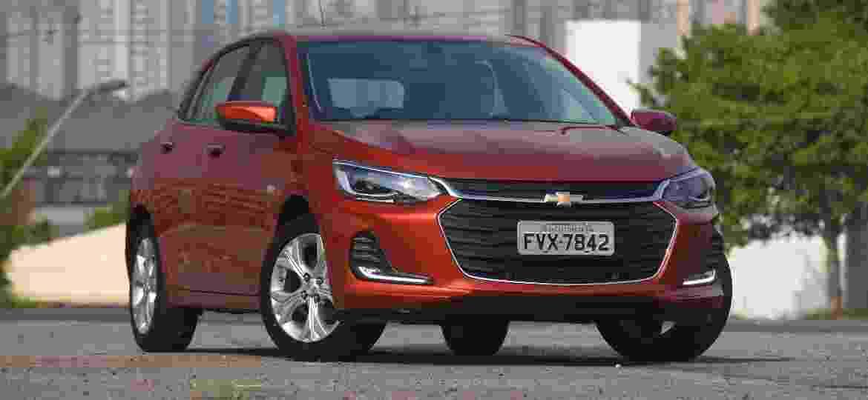 Chevrolet Onix tem grande demanda por versões automáticas; 37,8% dos 92.294 emplacamentos do hatch compacto em 2020 são de veículos com essa transmissão - Murilo Góes/UOL