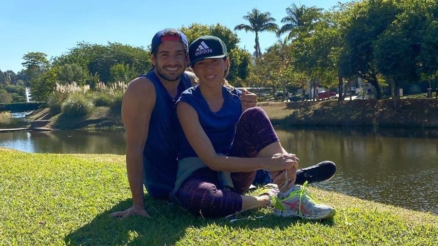 Pato e Rebeca posaram juntos apósatividade realizada na manhã de hoje - Reprodução/Instagram
