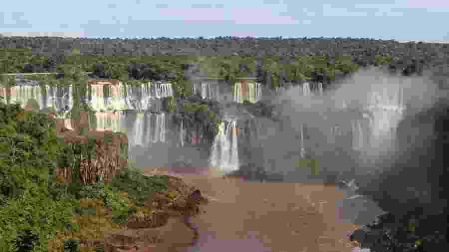 As Cataratas do Iguaçu ficam na fronteira entre Brasil e Argentina - Christian Rizzi / Estadão Conteúdo