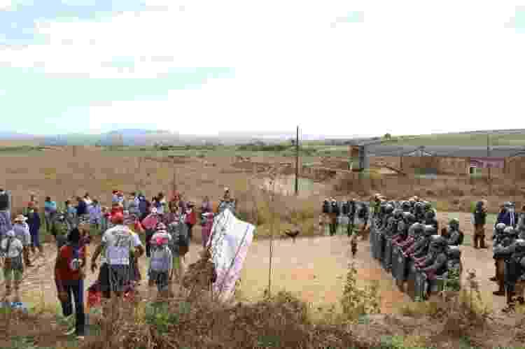 Ação da PM-MG em assentamento do MST Quilombo Campo Grande - Movimento Sem Terra/MST - Movimento Sem Terra/MST