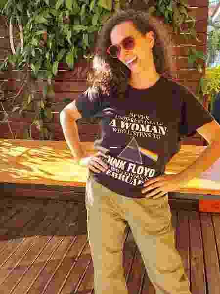 Joana com a camiseta da banda Pink Floyd - Arquivo Pessoal - Arquivo Pessoal