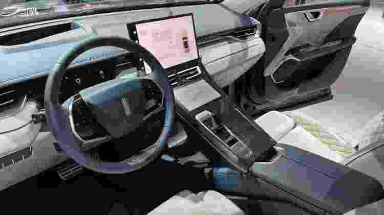 Wey Coffee 01 traz quatro telas na cabine, além de tecnologia de reconhecimento visual e Wi-Fi - Ricardo Ribeiro/UOL - Ricardo Ribeiro/UOL