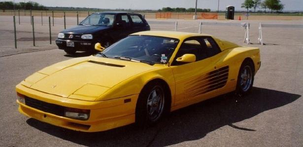 Ferrari (e não Camaro) amarela é um dos episódios mais inusitados do mundo dos games - Divulgação