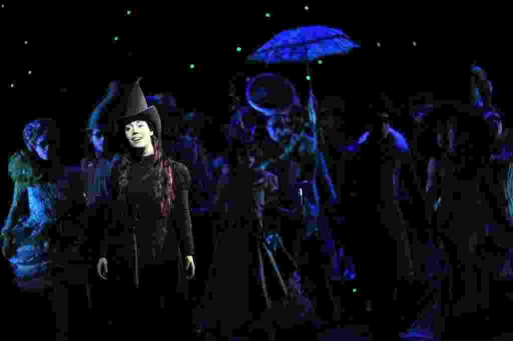 """25.jan.2016 - Ensaio do musical """"Wicked"""", no teatro Renault, em São Paulo - Emiliano Capozoli/UOL"""