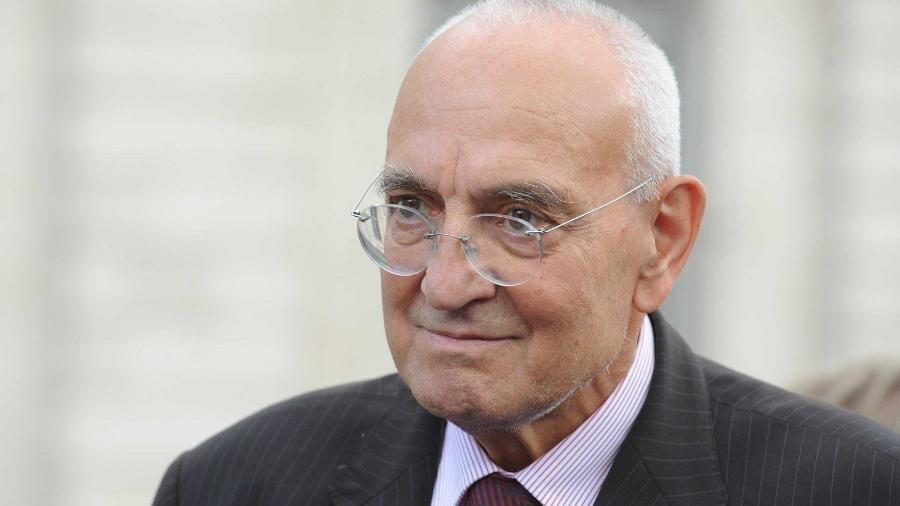 O historiador, escritor e político francês Max Gallo - Reprodução