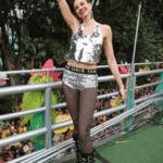 A apresentadora Luciana Gimenez subiu no trio ao lado de Tiago Abravanel - Reprodução/Instagram