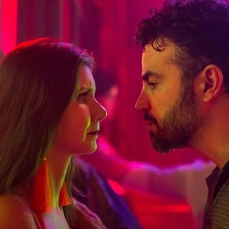 """Juvenal (Anderson di Rizzi) e (Priscila Assun) em """"O Outro Lado do Paraíso"""" - Raquel Cunha/Globo"""