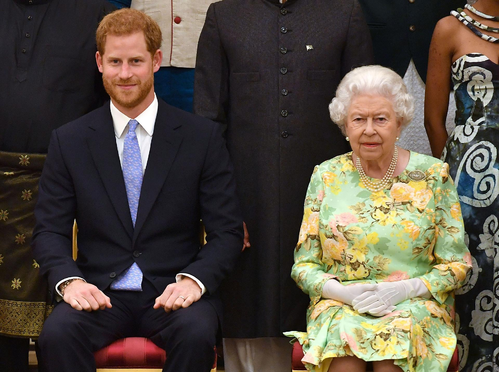 Príncipe Harry confessa que entra em pânico ao ver a avó pelo palácio -  18 09 2018 - UOL Universa 06e9bd4b12