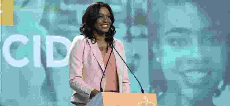 """Joyce Ribeiro é a primeira mulher negra a mediar debate com presidenciáveis: """"Uma conquista"""" - Divulgação/TV Aparecida"""